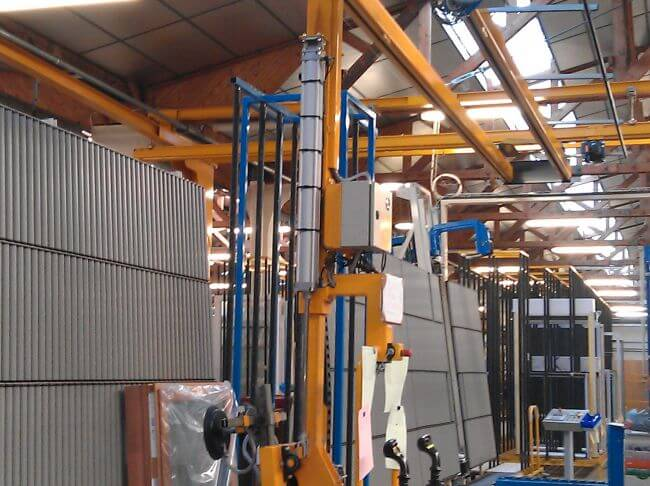 Palonnier à 4 ventouses avec basculement et rotation, sous colonne rigide, pour une charge maximum de 250kg