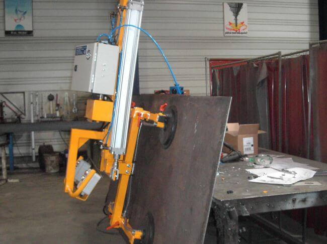 Palonnier à 4 ventouses pour transport vertical de tôles acier
