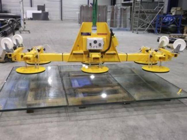 Palonnier horizontal à 6 ventouses, transport de panneau en verre jusqu'à 1 600 kg